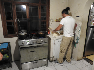 soirée pizza dans sa cuisine