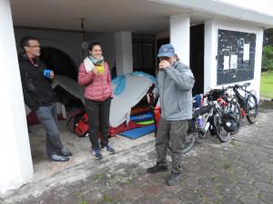 campement devant le centre social