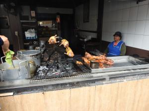 Ambato : dégustation du fameux 'Cuye',cochon d'inde, (prononcez 'couille')