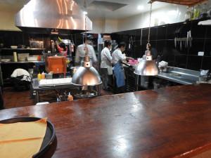 cuisine restaurant gastronomique - 45$ repas 9 services coktail, vins chiliens, bière artisanale locale et café inclus. Service professionnel. Belles assiettes et savoureux. Parfait !