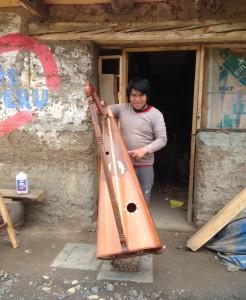Menuisier concepteur de harpe