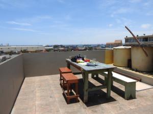 notre table sur le toit terrasse de l'hôtel